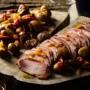 Lombo de javali com pimento vermelho e castanhas